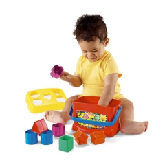 baby_playing_with_shape_sorters